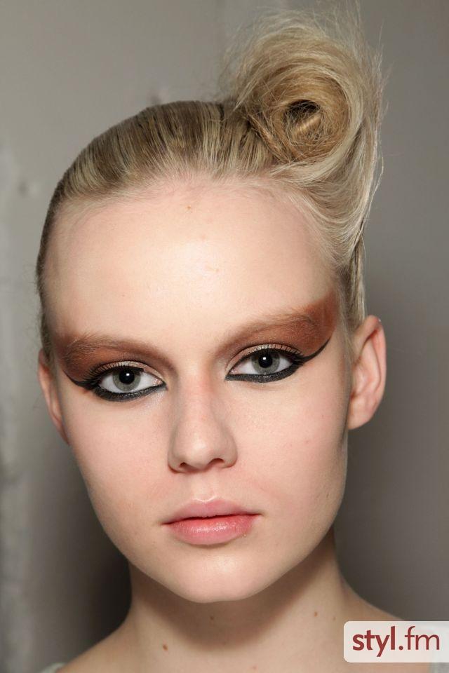 Makijaż pokazu Ashley Isham