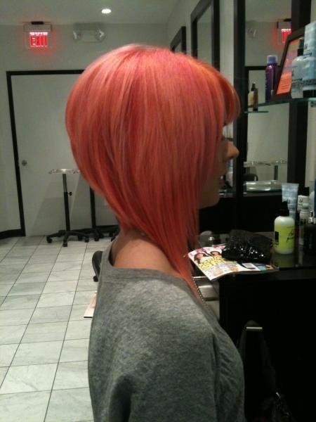 Fryzury - włosy półdługie. Sprawdź katalog propozycji