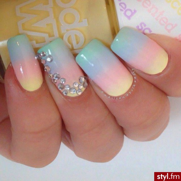 Manicure Modny Każdej Wiosny Pastelowe Paznokcie