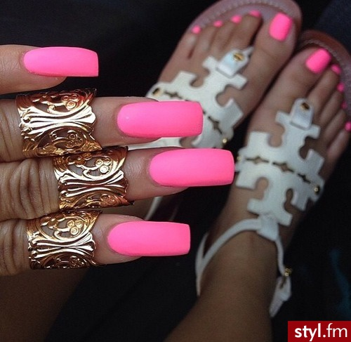 Trendy Manicure Kwadratowe Paznokcie