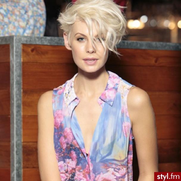Krótkie I Półkrótkie Hot Cięcia Włosów Dla Blondynek