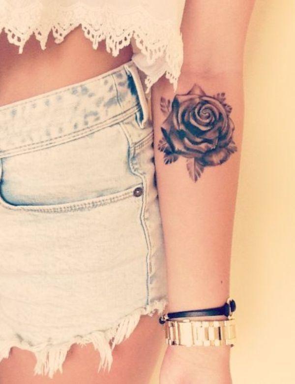 Tatuaże Z Motywem Kwiatów Delikatne Subtelne I