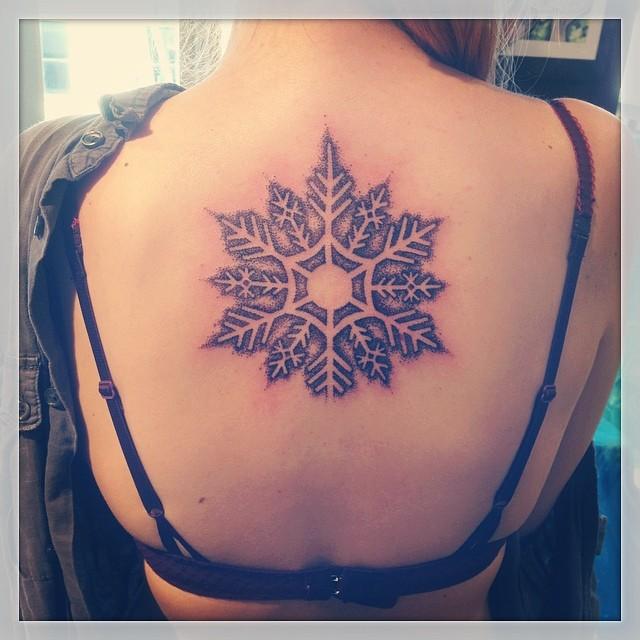 Zimowe Tatuaże Wybieramy Najładniejsze Dziary Z Płatkami