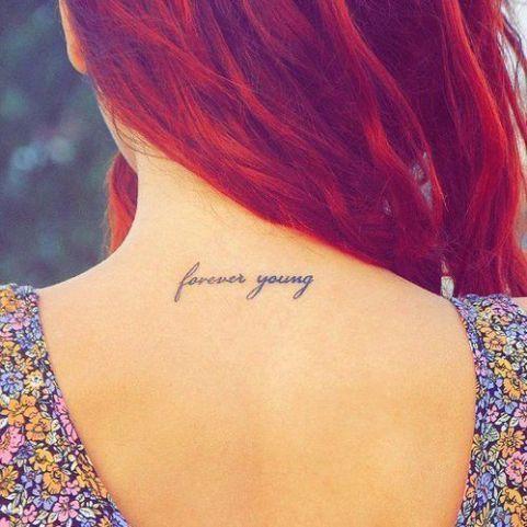 Mały Tatuaż Na Karku Galeria Uroczych Wzorów Dla Dziewczyn