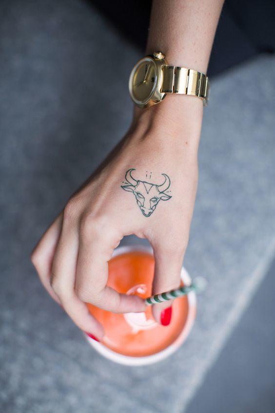 Tatuaże Z Znakiem Zodiaku 15 Najpiękniejszych Wzorów Dla Byka