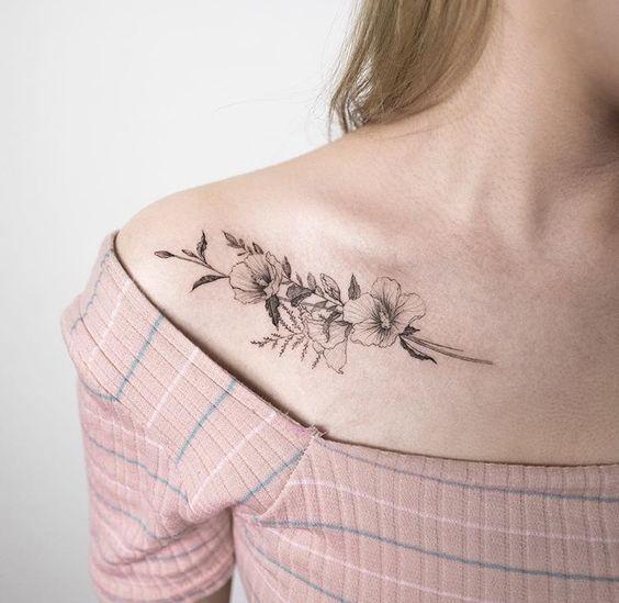 Tatuaże Na Obojczyk Top 20 Pomysłowych Wzorów Dla Dziewczyn