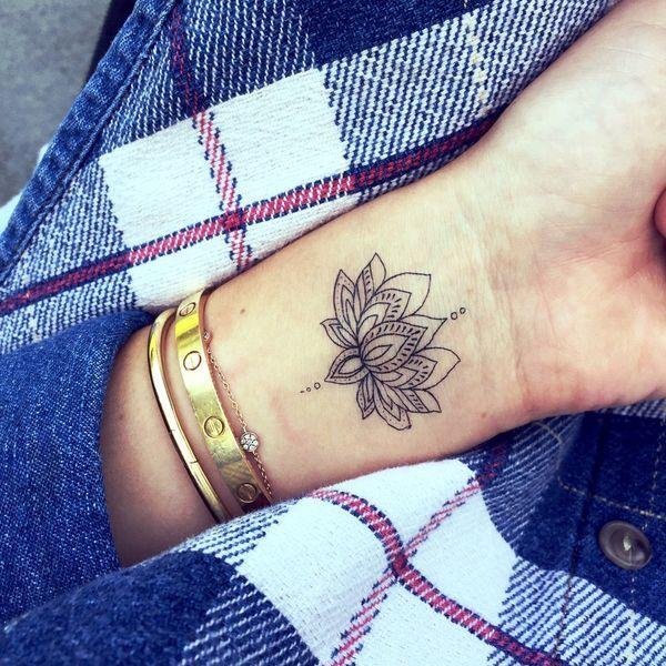 Kwiat Lotosu 20 Niezwykle Kobiecych Tatuaży Które Cię Urzekną