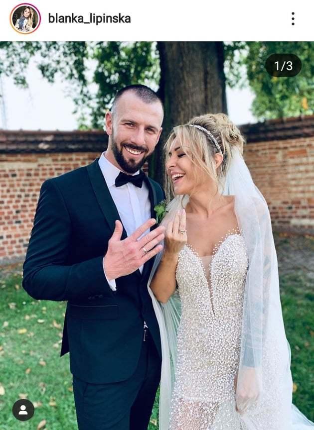 Była piękna suknia ślubna i ..