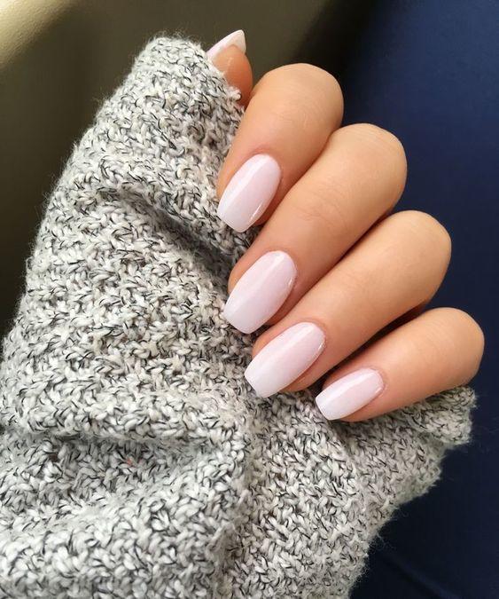 Paznokcie żelowe to świetny sposób na niezwykle trwały i przyciągający wzrok manicure. Wbrew pozorom, samodzielne ich wykonanie nie jest trudne i czasochłonne!