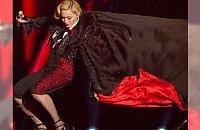 BRIT AWARDS 2015: Madonna spadła ze sceny!