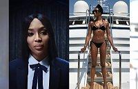 """48-letnia Naomi Campbell chwali się idealną figurą w świątecznej reklamie Burberry. Fani bezlitośni: """"Chudy facet w peruce i makijażu""""..."""