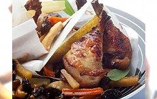 Pieczone podudzia kurczaka z gruszką i bakaliami - przepis