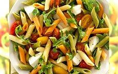 3 proste przepisy na sałatki makaronowe