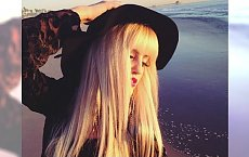 Grzywka plus włosy w kolorze blond - bajka!