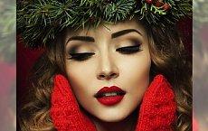 Świąteczny makijaż z czerwoną szminką w roli głównej