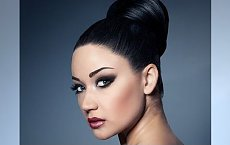 Upinamy włosy na maksa - gorąca galeria fryzur wieczorowych dla brunetek