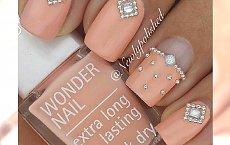 """Luksusowy manicure z dodatkiem pereł - efekt """"wow"""" gwarantowany!"""