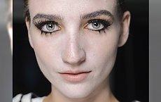 HOT: Akcent na dolne rzęsy prosto z Fashion Week