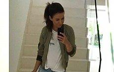 """Anna Lewandowska pokazuje opalone nogi w szortach! """"Uciekam na niedzielny spacer z córeczką"""""""