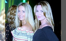 Dwie blondynki na imprezie: Rozenek i Lis w najmodniejszym fasonie sukienki! Która lepiej?