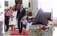 """Tak wygląda pokój przygotowany dla George'a i Charlotte. Na Twitterze drwią: """"7 zabawek. Zaszaleliście"""""""