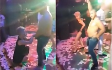 Taniec erotyczny na szkolnej imprezie. Napalona nauczycielka poszła na całość! (WIDEO)