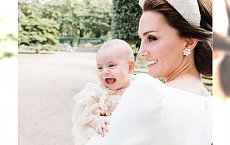 Tak wyglądały chrzciny księcia Louisa! Piękne pary, urocze dzieciaki i wspaniałe kreacje. ZOBACZCIE ZDJĘCIA!