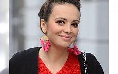 Anna Wendzikowska wróciła do pracy 6 dni po porodzie. Nie ma obsesji na punkcie płaskiego brzucha. Po prostu włożyła szeroki sweter