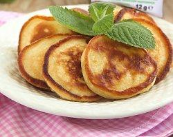 Przepis na śniadanie: placek z suszonymi owocami