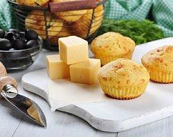 STYLowa kuchnia: muffinki na ostro z żółtym serem