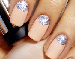 Half moon manicure - czy zastąpi tradycyjny french?