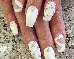 TOP 25: inspirujemy stylowym, kwadratowym manicure
