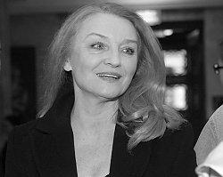 """Nie żyje aktorka serialu """"Rodzinka.pl"""", Halina Skoczyńska. Miała 62 lata"""