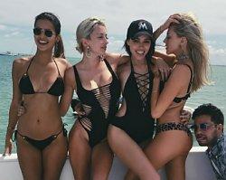 Jak idealnie wyjść na zdjęciach w bikini - Sprawdź te 12 trików, które wyszczuplają!