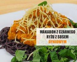 Makaron z czarnego ryżu jaśminowego z sosem dyniowym