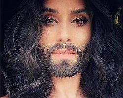 ALE METAMORFOZA! Koniec z długimi, ciemnymi włosami i brodą. Conchita Wurst przefarbowała się na... blond