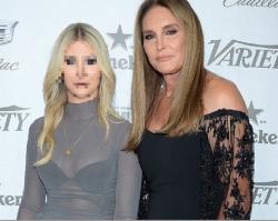 Caitlyn Jenner pochwaliła się o 46 lat młodszą dziewczyną. Też przeszła operację zmiany płci. ŁADNA?