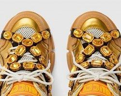 """Nowe buty Gucci to upadek mody? Internauci drwią z """"koszmarków"""" za 5 tysięcy. """"ALE SH*T"""""""