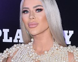 """Wielkousta Wiktoria z """"Warsaw Shore"""" odsłoniła biust na gali Playboya. To najodważniejsza stylizacja wieczoru!"""