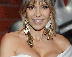 """Doda w """"The Voice of Poland"""" oczarowała stylizacją. Ale wszyscy patrzyli na jej biżuterię. Piękna czy kiczowata?"""