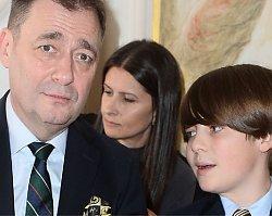 Jacek Rozenek zabrał syna na pokaz mody. 12-letni Staś chyba bawił się średnio...