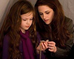 Jak wygląda dziś urocza Renesmee Cullen? Mackenzie Foy jest nie do poznania!