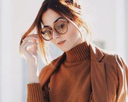 Ubrania w kolorach ziemi: Najmodniejsze stylizacje w odcieniach brązu i beżu na sezon wiosna-lato 2019