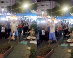 Tata trzymając za nogi noworodka podrzucał nim jak zabawką. Tłum ludzi nagrywał całe wydarzenie. Nikt nie protestował... [FILM]