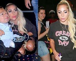 UPS! W tej stylizacji Lady Gaga wygląda jakby zapomniała założyć spodni... Niepełnosprawny fan był zachwycony