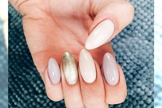 Delikatny manicure bije rekordy popularności - galeria