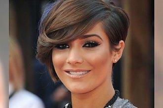Krótkie i półkrótkie hot cięcia włosów dla brunetek - zmysłowe i pełne klasy