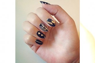 Metaliczne tatuaże na paznokciach - 15 super pomysłów