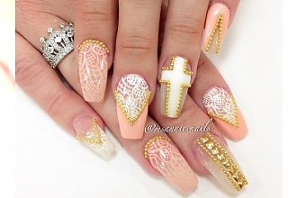 Diamenty, błyskotki, perełki, czyli... manicure w wersji 3D!