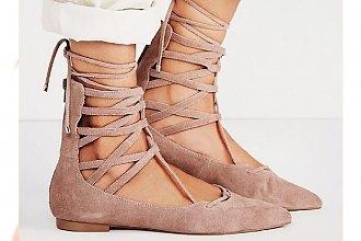HOT: Podpowiadamy jak dobrać  wiązane sandałki i gladiatorki do masywnych nóg